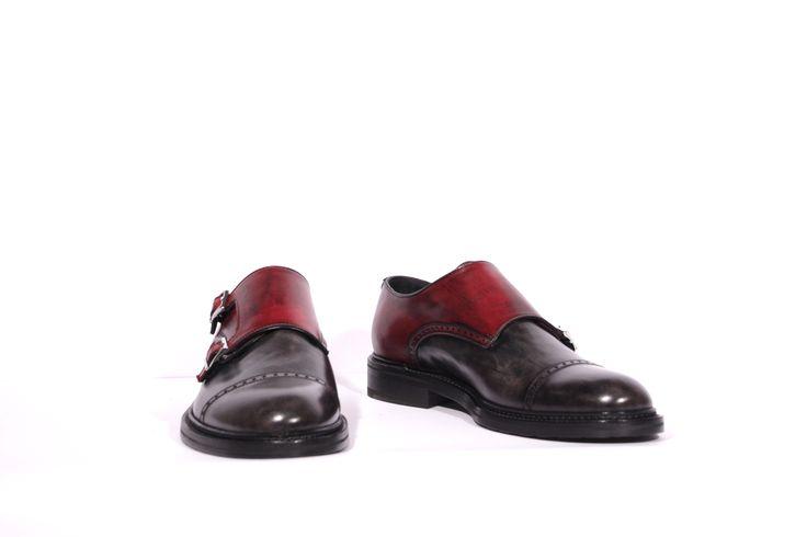 scarpe uomo in vera pelle prodotte artigianalmente secondo maestranze artigiane colorate e rifinite interamente a mano art 903-rosso-grigio  black brushed