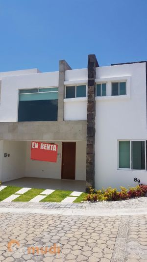 Hermosa Casa En Renta De 3 Recamaras En Lomas De Angeloplis Ii