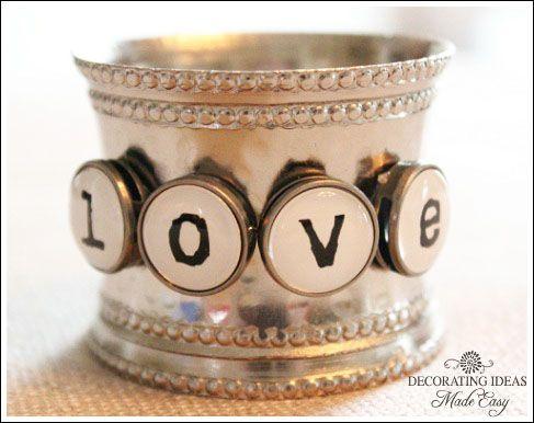 Valentine's napkin ring....I can SOOOO do this!