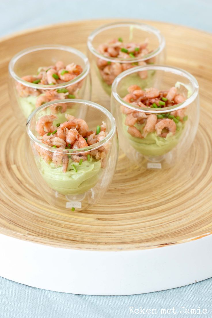 Amuse van avocado & Hollandse garnalen