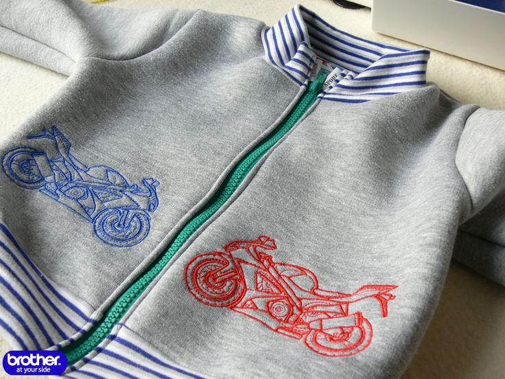 Автор: Ирина ЛИСИЦА Пошив трикотажных вещей на оверлоке быстрый процесс, если изделие без застежек. Но как быть, если хочется сделать не водолазку, а спортивную куртку …