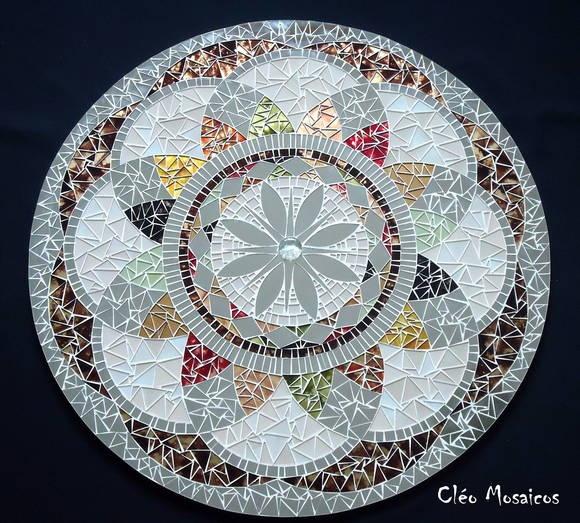 Mandala em Mosaico. Beautiful mosaic mandala