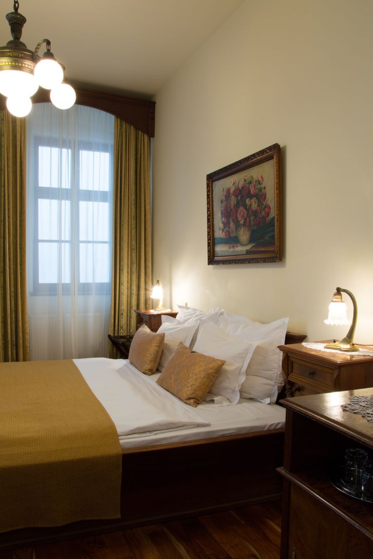 Grand deluxe room with stunning view on the Astronomical Clock