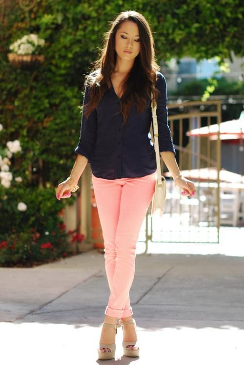 Simplicity: Navy blouse and pastel pants