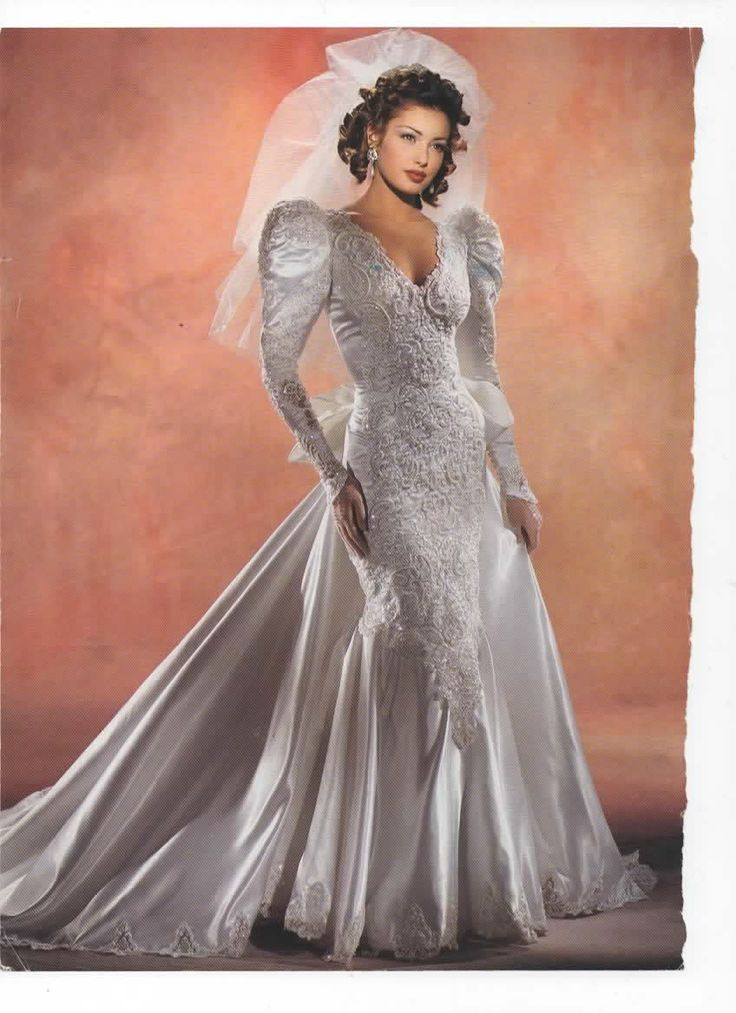 185 best wedding gowns images on Pinterest | Retro weddings, Short ...