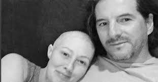 Shannen Doherty posts a sweet picture with her husband amid her battle with breast cancer (em)