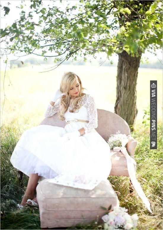 gold wedding belt | CHECK OUT MORE IDEAS AT WEDDINGPINS.NET | #weddingfashion
