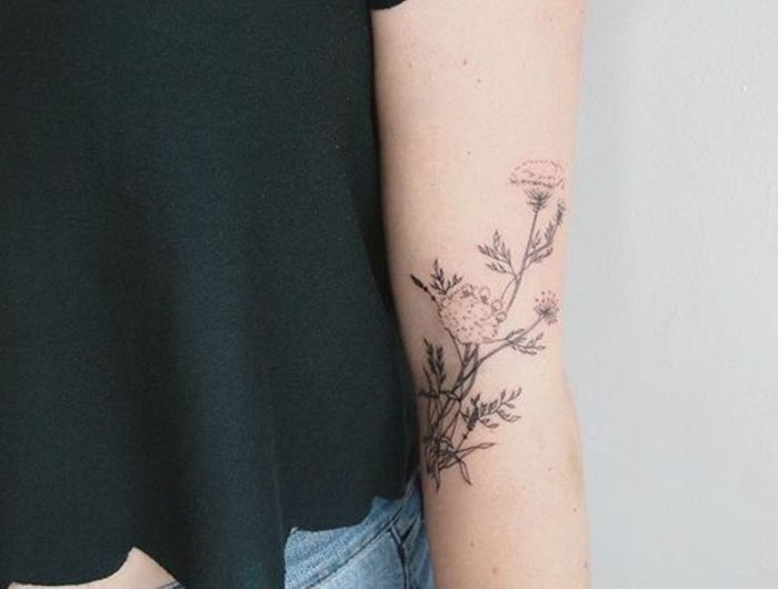 Les 20 meilleures id es de la cat gorie tatouage fleur signification sur pinterest tatouage - Signification fleurs tatouage ...