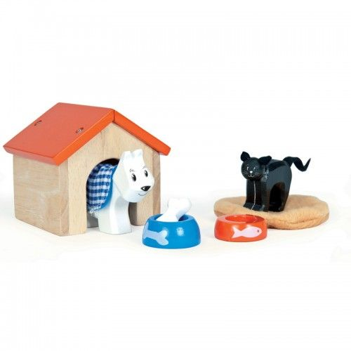 A wonderful wooden pet set including a dog, a kennel, a dog bowl, a bone, a cat, a cat mat and a cat bowl.