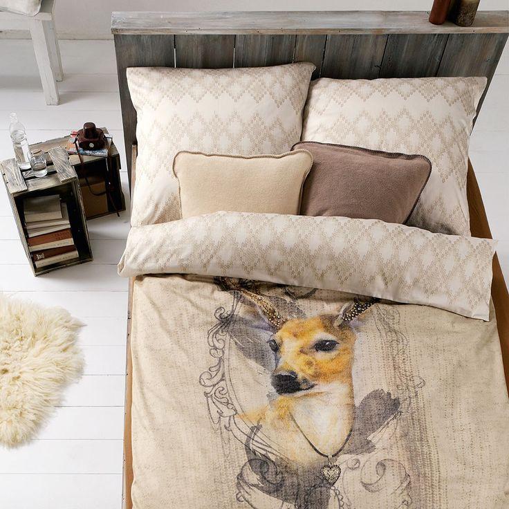 Ibena Mako-Satin Wendebettwäsche Zeitgeist 5737-300 mit Reißverschluss. Die warmen Farben und das süße Reh im Fokus, zieren diese Bettwäsche besonders schön. Die Bettwäsche, aus feinster Baumwolle, hat eine toll dekorierte Rückseite und schimmert leicht. #bettwäsche #beddingset #hirsch #reh #deer #reindeer #bedroom #bed #schlafzimmer #bett  www.bettwaren-shop.de