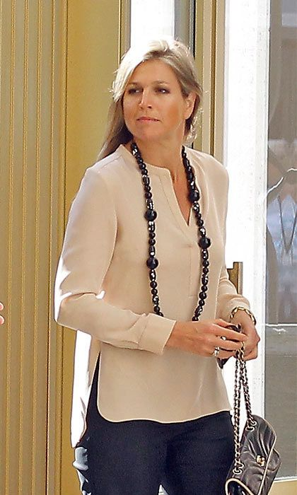 The 43-year-old even likes add a glam touch to her casual outfits with a statement piece.