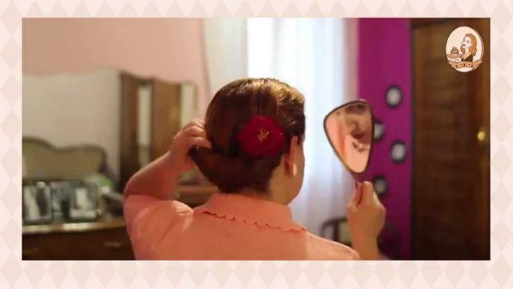 How to use hair donuts -  Come acconciare i capelli con i posticci.  Posticci, crespi, hair donut, ci sono diversi modi per chiamarli e altrettanti modi per utilizzarli. In questo beauty tutorial vedremo insieme come creare 3 acconciature differenti utilizzando 3 posticci differenti.