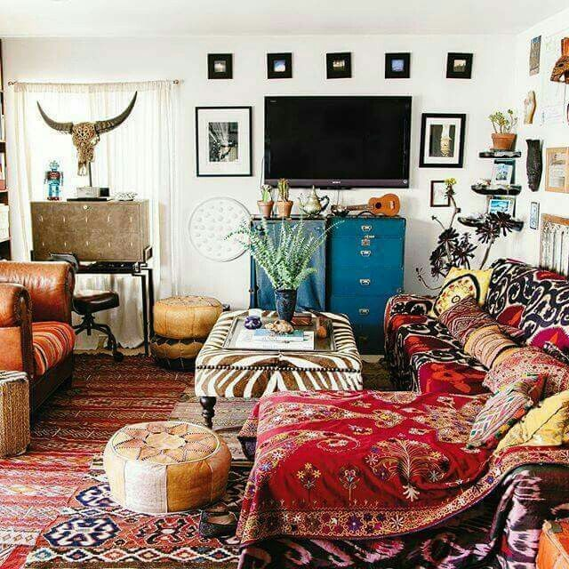 Boho room the new bohemians book justina blakeney for Funky home decor