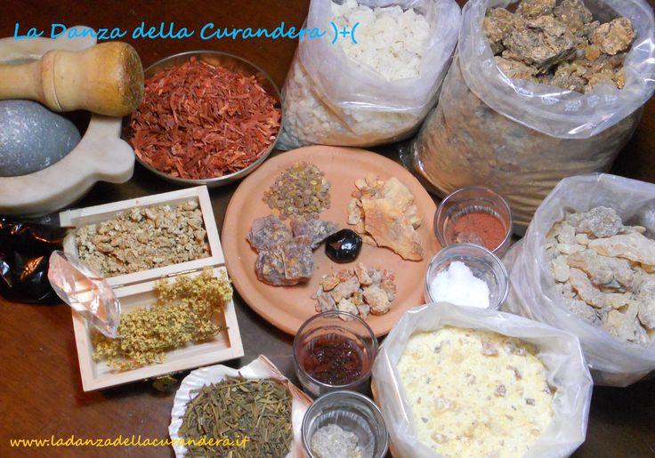 Parte degli ingredienti utilizzati da MamaQuilla.. http://www.ladanzadellacurandera.it/misture-miscele-smudge/