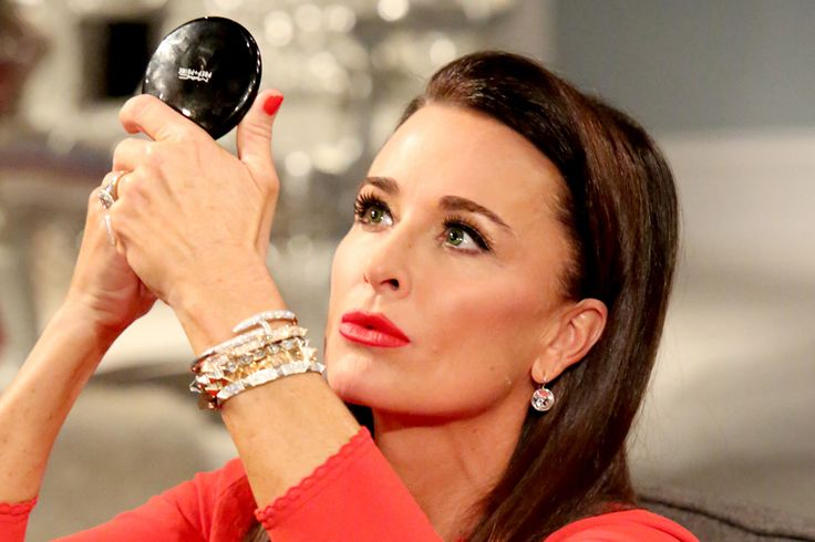 Let's face it, constantly being on camera gives Bravolebrities a certain expertise-level knowledge of makeup that the rest of don't have. They know what powders will keep them from showing up shiny to a fellow Housewife's dinner party and which concealers will actually hide their severe lack of sleep when appearing on Watch What Happens Live.