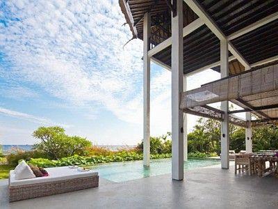 Villa Lovina 2 - Bali, Indonesië - Moderne villa direct aan het strand voor 2 tot 4 personen -- mail@xclusivevillas.com of bel: 0031 (0)85 401 0902