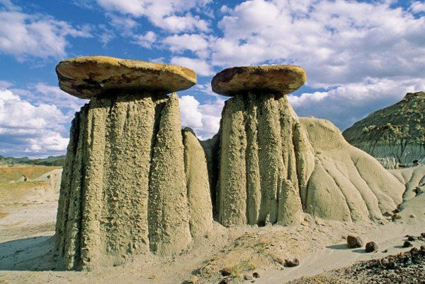 Alberta badlands hoodoos formed by erosion