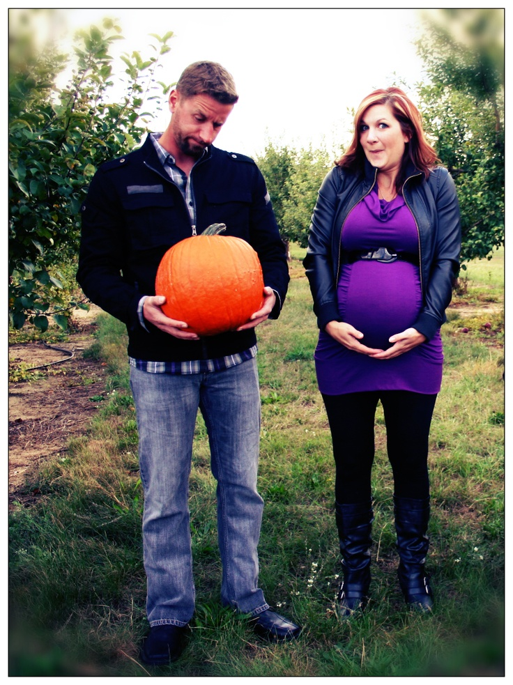 Fall Pumpkin Maternity Pregnancy Photo Pose