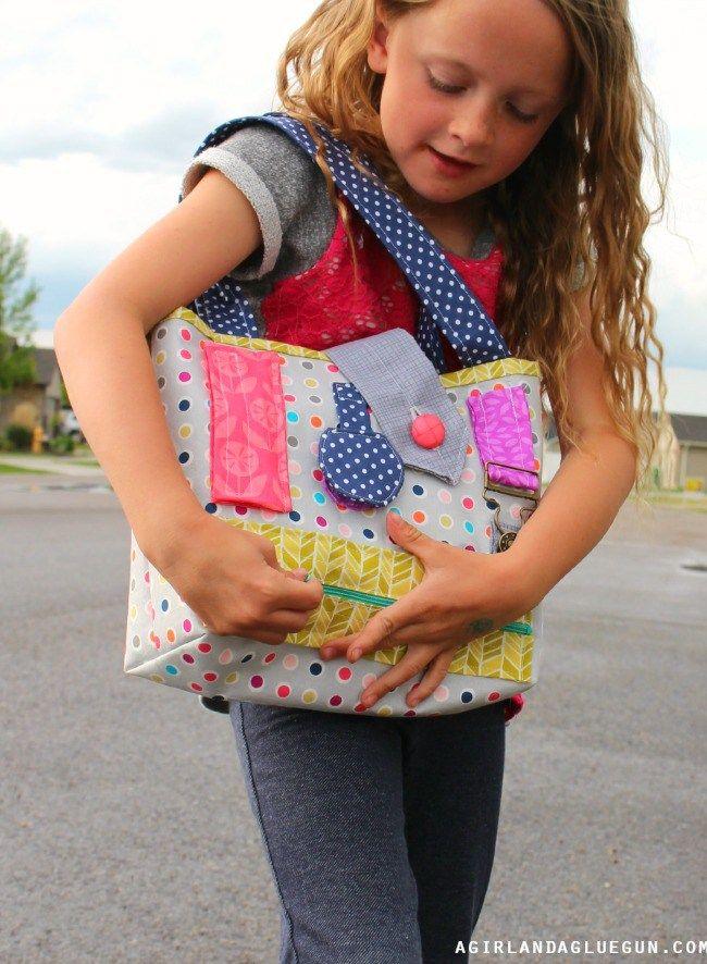 Bolso interactivo para niña