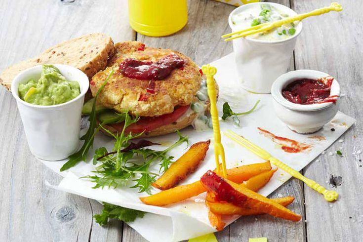 Tofuburger mit Gemüsepommes und zweierlei Dips (02/2016)