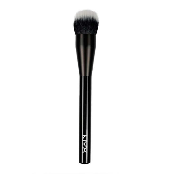 Gear up like a pro and add your own expert touch to every look with the NYX Pro Dual Fiber Foundation Brush – a soft, full brush perfect for an easy application of liquid foundations for a...