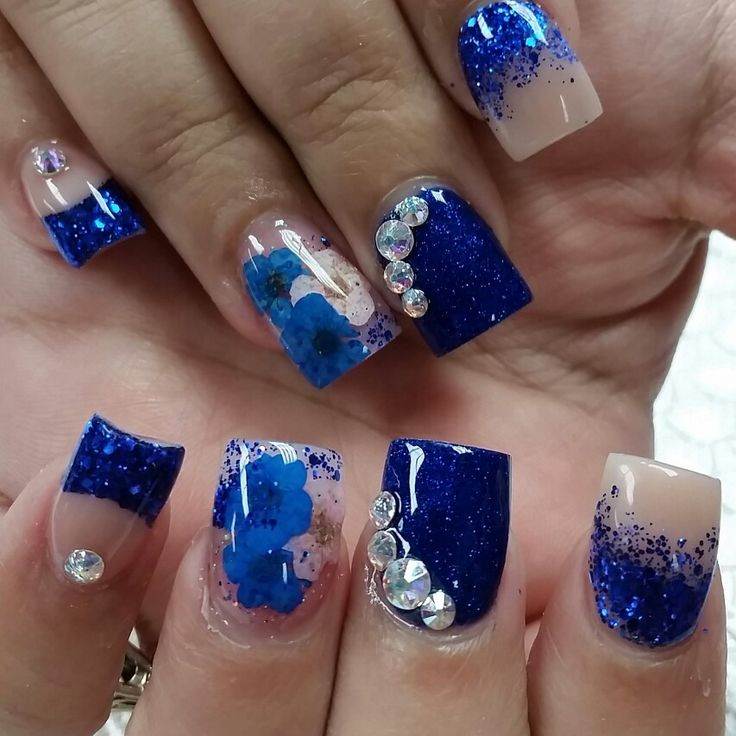 Encapsulated Flowers Natalie S Nail Lounge In 2019 Encapsulated Nails Acrylic Nails Blue Nails