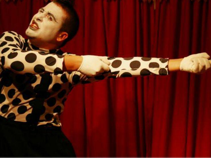 O Sesc Santana apresenta programação circense voltada para crianças, com performances de mímicos e palhaços. As apresentações acontecem de 2 a 30 de março, às 16h dos sábados, com entrada Catraca Livre.
