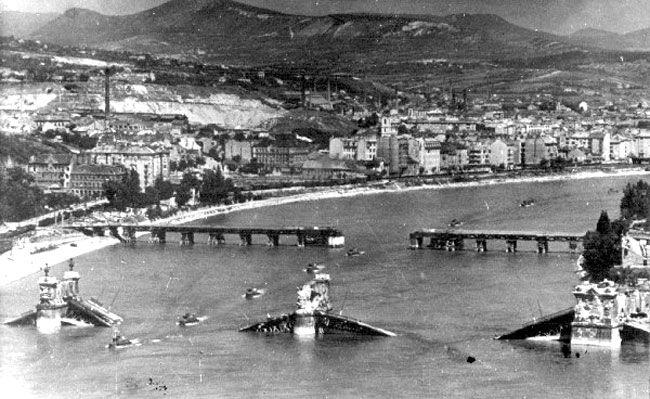 Budapest anno: több, mint nosztalgia...: Képek a Margit híd történetéből - A második világháború után épült ideiglenes kábelhíd: a Manci
