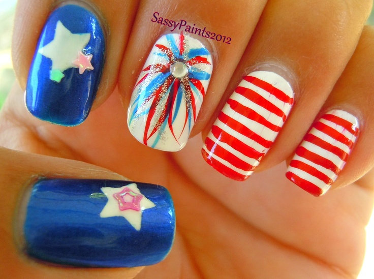 4th of july nails!  How patriotic and fabulously sparkly