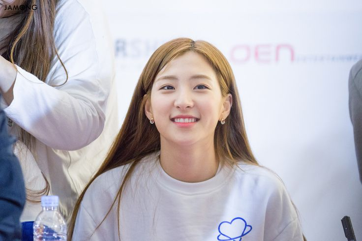 WJSN - Eunseo #은서 (Son Juyeon #손주연) Busan fansign 160403 #우주소녀 부산팬싸인회