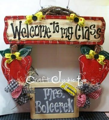 {Personalized} Teacher Classroom Wreath