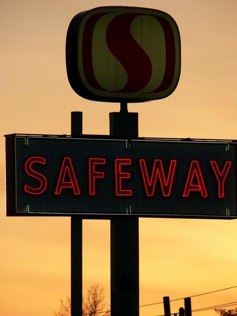 neon old Safeway sign