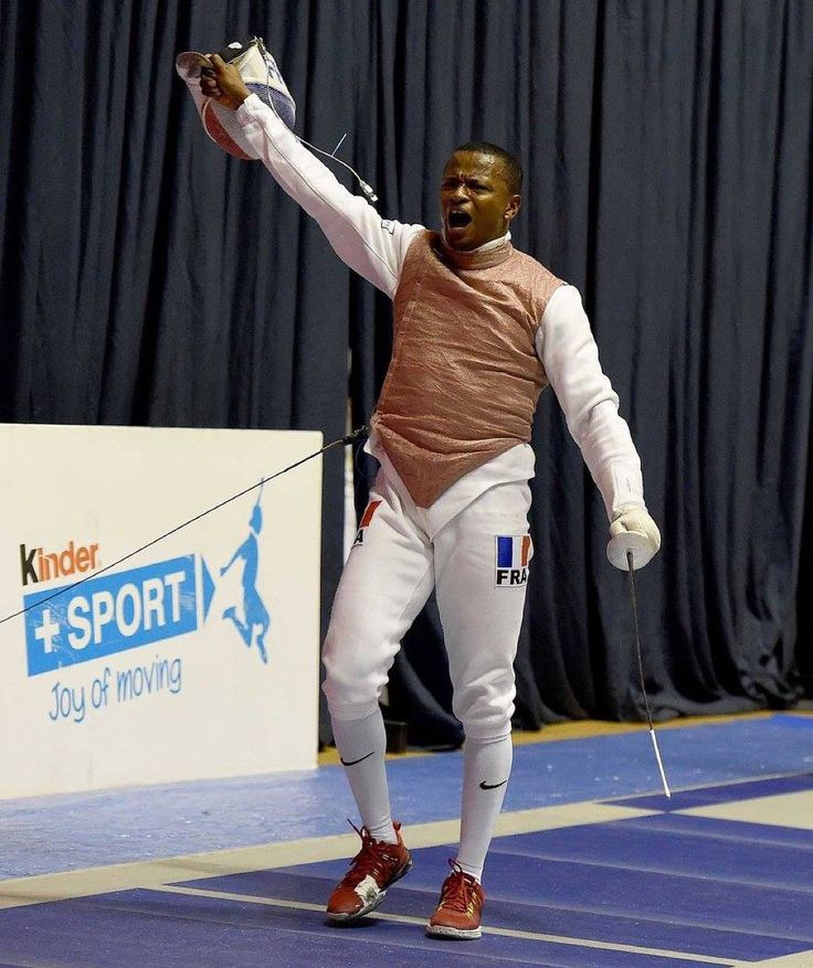 #TurinFGP | Helissey Jean-Paul of France qualified for the round 16 | #FencingGrandPrix #men #foil #fencing #roadtorio photo: Bizzi by fencing_fie