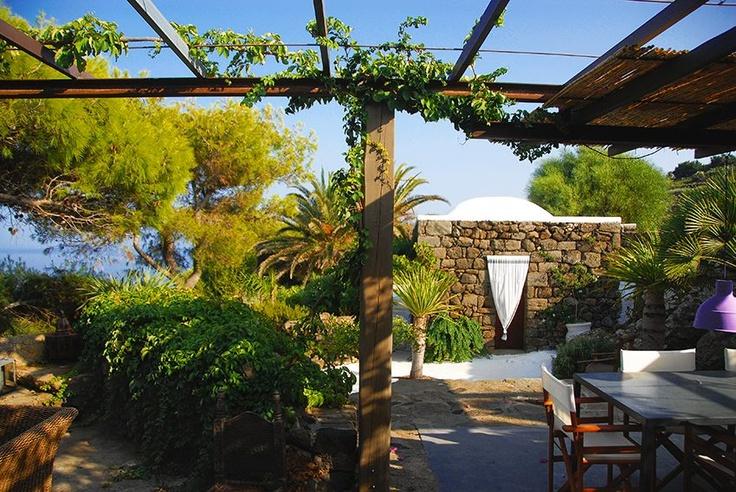 Dammuso mozzafiato - Khanià, Greciaù  http://www.home-lab.org/Immobile/Dammuso-Pantelleria-238.html