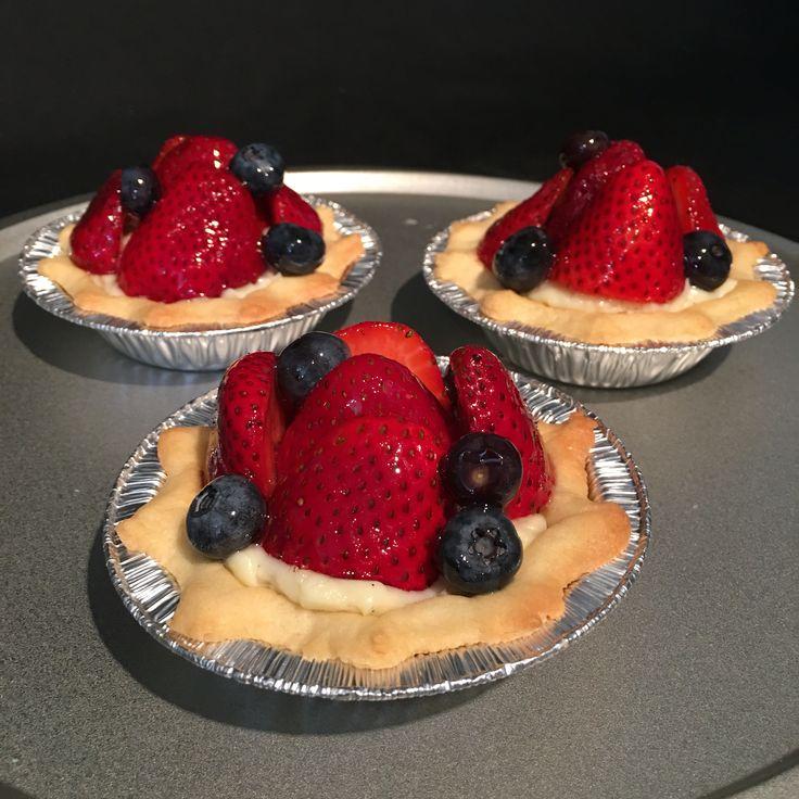 Fresh berries in pastry cream!
