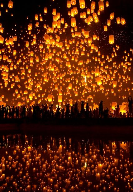 Chiang Mai Yii Peng Festival, Thailand looks like that scene from Tangled