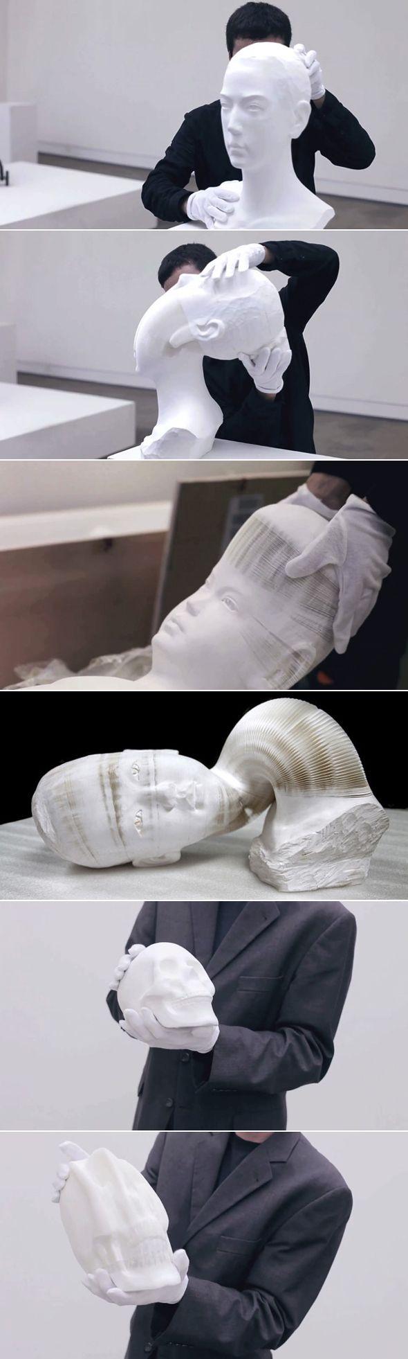 L'habit ne fait pas le moine    L'artiste et éditeur de livre Li Hongbo, basé à Pékin, réalise toute une série d'oeuvres sur le thème du corps humain. Fasciné par les jouets chinois traditionnels et les décorations festives, il s'inspire de ce principe pour concevoir ses projets. Ce qui semble d'abord être de banales mais délicates sculptures en porcelaine sont en réalité composées de milliers de couches de papier blanc dissimulant un secret.    Cela donne des sculptures très flexibles,