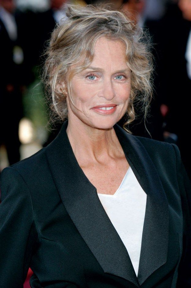 Lauren Hutton at 70 years old. She loves her lines and expressions and so do I.