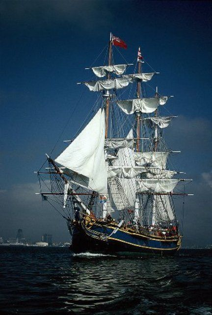 <3 Tall Ship HMS Bounty, home port was St. Petersburg, FL. Thought there was a lot of damage due to hurricane in 2012.