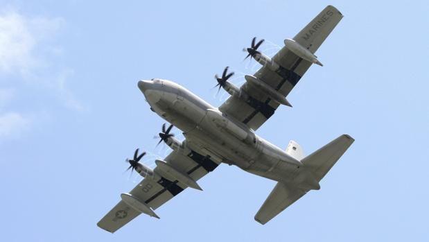 Mueren los 16 tripulantes de un avión militar al estrellarse en Estados Unidos