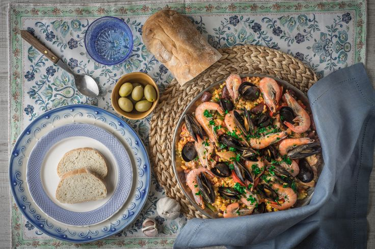 Sevilla Cooking Classes Spain's great cuisine is finally getting the international recognition it deserves, and more and more people are becoming awareof the quality and variety of the country's gastronomy. Also now, some of the world´s top chefs are Spanish. We can offer you the chance …