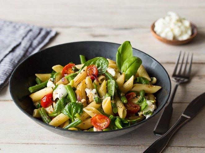 die besten 25 caprese salat ideen auf pinterest caprese rezept tomatensalat und salat. Black Bedroom Furniture Sets. Home Design Ideas