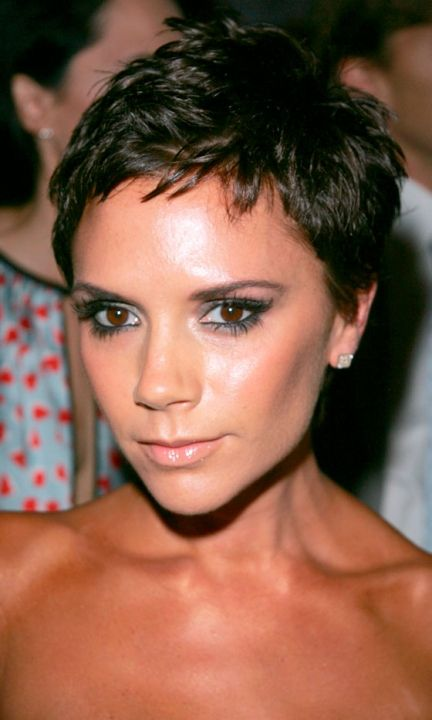Victoria Beckham Pops Out In A Posh Pixie Cut, September 2008