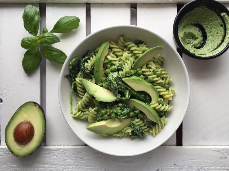 Goddelijke pasta met zelf gemaakte groene pesto