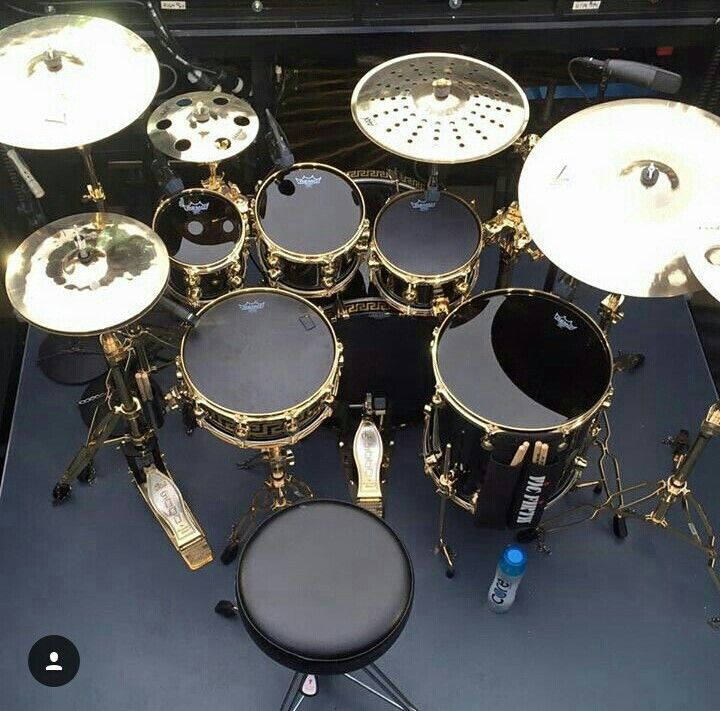 Black and Gold never gets Old!!! Love these Emperor ebony drum heads! These are the blacked out Versace DW drums that Eric Hernandez used at the Super Bowl halftime show.