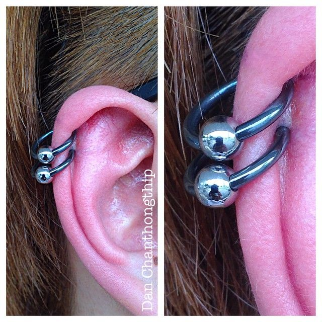 Black Niobium CBRs from Anatometal for these Helix Piercings! #danchan #professional #bodypiercings #highquality #bodyjewelry #fidelitytattooco #jewelryadoptionagency #baltimore #maryland #anatometal #jewelryporn #cbr #niobium #black #hoops #helix #piercings #cartilage #piercing #earpiercings #datpolishdoe #jewelryselfie #namedroppingsoyouknow #noknockoffs @anatometalinc