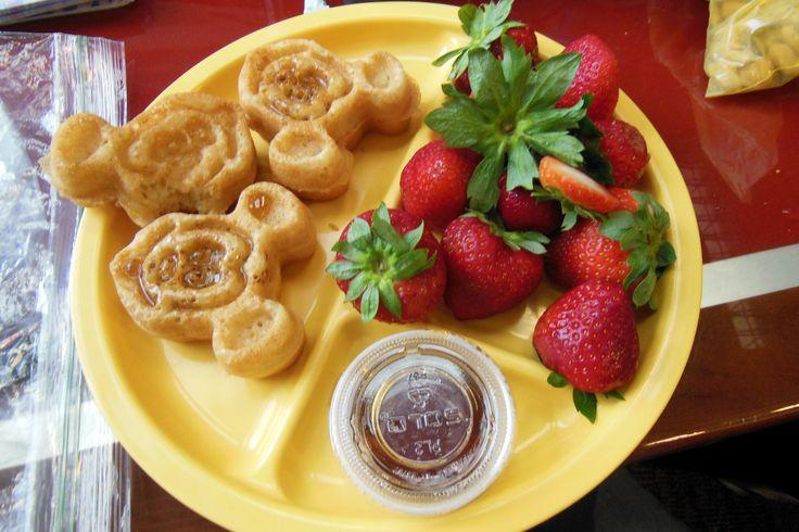 Vegan and Gluten Free Waffles at Chef Mickeys...YUM ...