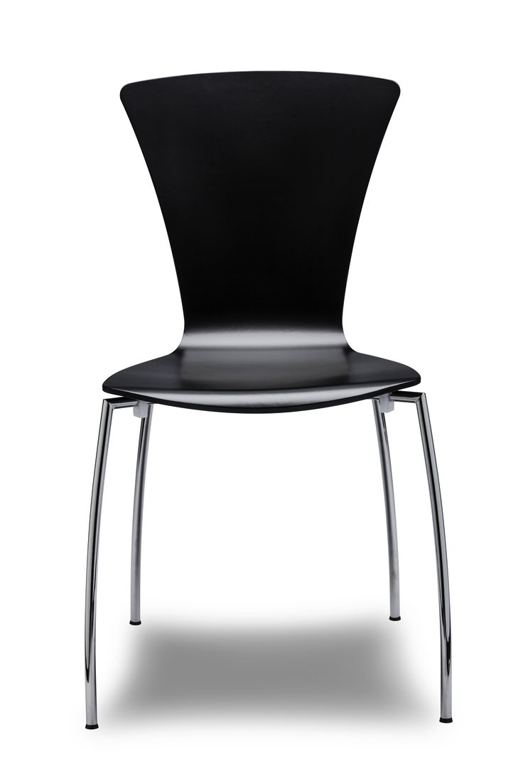 Our York chair equals fluid shapes: the sway in the shell is complemented and reflected in the bending of the frame, thus the chair becomes light and the shape dampens even in the noisiest environments #danerka #danishdesign #designerfurniture #highquality Design by Erik Jørgensen/Leoka