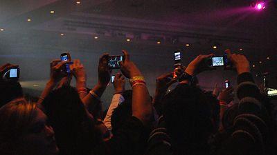 Appleが音楽ライブの撮影録画を禁止できる赤外線カメラシステムの特許を取得