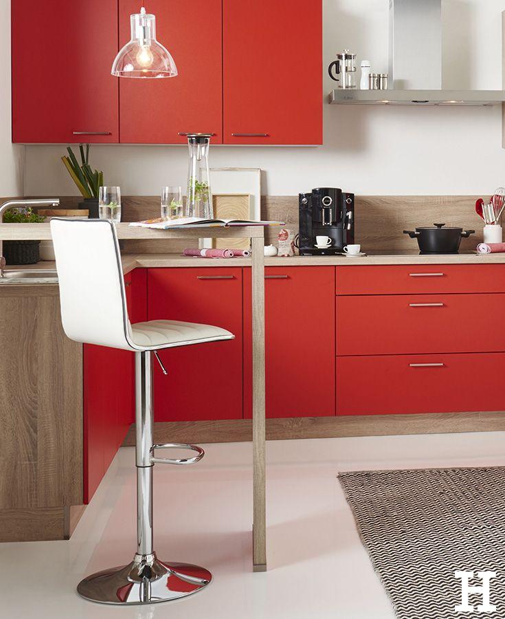 Ein Barhocker bietet Platz für ein schnelles Frühstück, gemütliche Kochabende und eine Kaffepause zwischendurch. #küche #bar #barhocker #ideen
